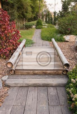 Bild Japanischer Garten mit Bambusbrücke