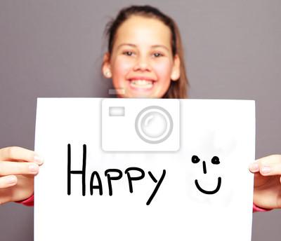 Joyful junge Mädchen mit einem glücklichen Vorzeichen