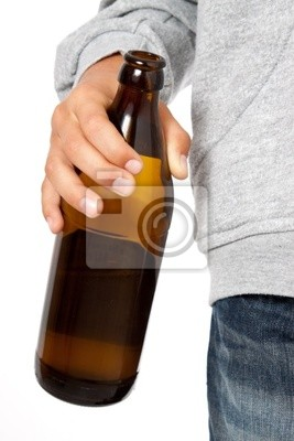 Jemand, der Alkohol missbraucht