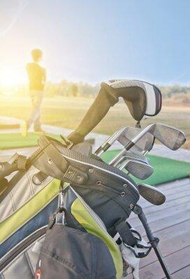 Bild Jugendliche üben Golf