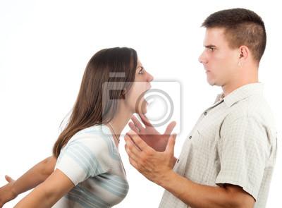 Junge Paare, die Kämpfe isoliert auf weiß