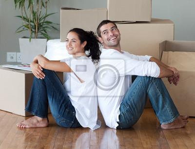 Junges Paar Hauswechsel