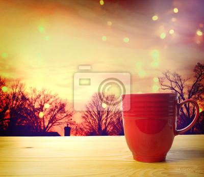 Kaffeetasse auf twilight Hintergrund