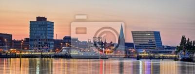 Kieler Hafen am Abend