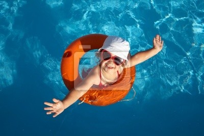 Kind-Schwimmen