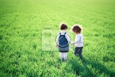 Kinder im Frühjahr Bereich