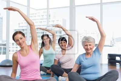 Klasse Stretching Hände bei Yoga-Kurs