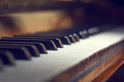Bild Klaviertastatur Hintergrund mit selektiven Fokus