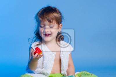 Kleines Mädchen, Erdbeere