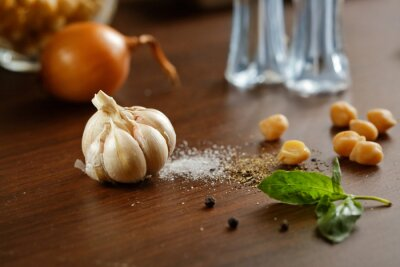 Bild Knoblauch, Salz, Pfeffer und Zwiebel