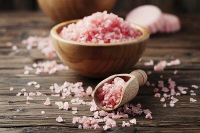 Bild Konzept der Spa-Behandlung mit rosa Salz