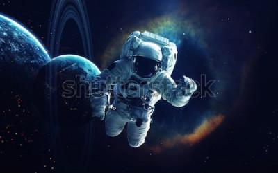 Bild Kosmische Kunst, Science-Fiction-Tapete. Schönheit des Weltraums. Milliarden von Galaxien im Universum. Elemente dieses Bildes von der NASA eingerichtet