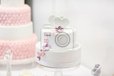 Kostliche Hochzeitstorte In Weiss Creme Und Rosa Leinwandbilder