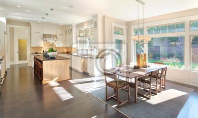 Bild Küche und Esszimmer Panorama in New Luxury Home