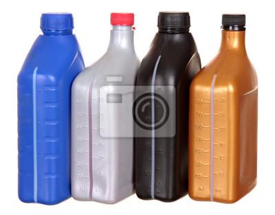 Bild Kunststoff-Flaschen von der Automobilöle auf einem weißen