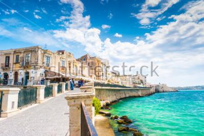 Bild Küste von Ortigia-Insel in Stadt von Syrakus, Sizilien, Italien. Schönes Reisefoto von Sizilien.