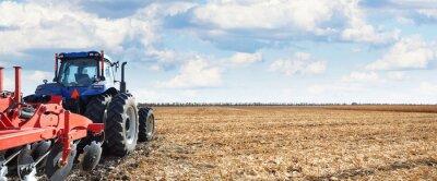 Bild Landmaschinen arbeiten auf dem Feld