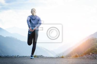 Bild Laufstrecken Athlet an der Spitze des Berges.