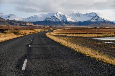 Bild Leere Straße im frühen Winter von Island