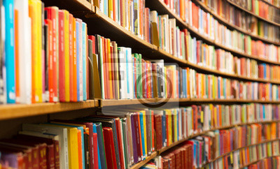 Bild Library with many shelves and books, diminishing perspective and shallow dof