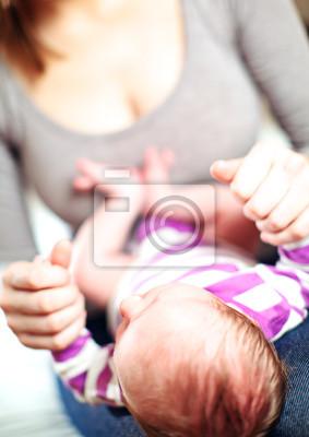 Liebevolle Mutter und Baby