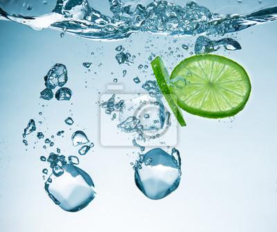 Bild Limes Spritzer ins Wasser