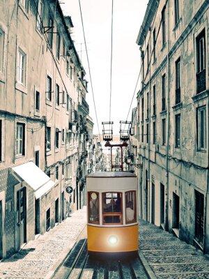 Bild Lisboa - velho elevador amarelo