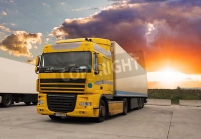Bild LKW - Güterverkehr mit Sonne