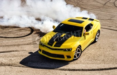 Bild Luxury yellow sport car drifting, motion capture