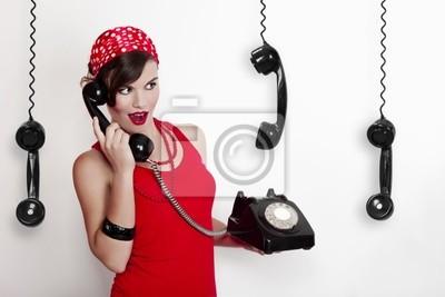 Mädchen mit einer Vintage-Telefon