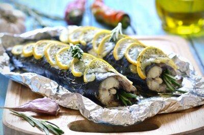 Bild Makrele in Folie gebacken.