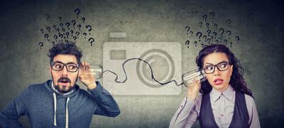 Bild man and woman having troubled communication