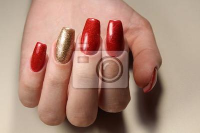 Manikure Nagel Rot Und Gold Leinwandbilder Bilder Schone Manikure