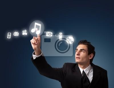 Mann Drücken einer Taste Touchscreen