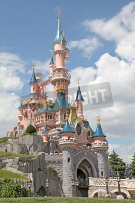 Bild Marne-la-Vallée, Frankreich - 1. Juli 2011 - Das Dornröschenschloss in Disneyland Resort Paris.