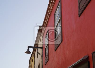 Bild Mediterrane Fassade In Rot Mit Fenster