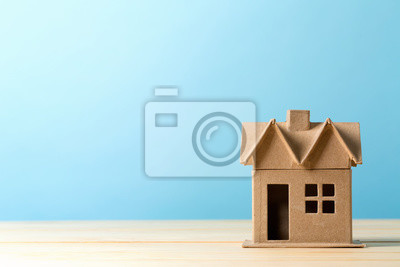 Bild Mini residential craft house on a blue background