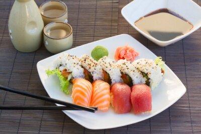 Bild Mittagessen mit Sushi Teller