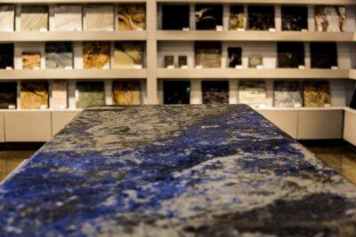 Moderne Blaue Und Graue Kuchenarbeitsplatte Aus Granit Hintergrund