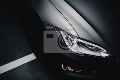 Bild Modernes Auto eingewickelt in grauer Farbe Matte Vinyl