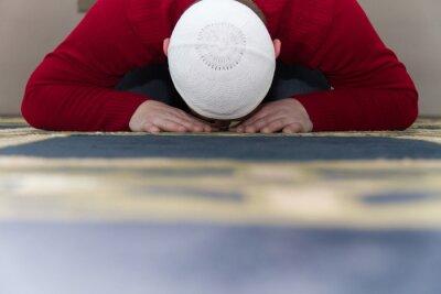 Bild Moslemischer Mann Beten In Der Moschee