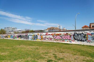 Bild Mur et Stehplatz verte. Berlin.
