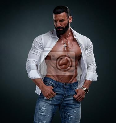 Bild Muscular Male Model Wearing Unbuttoned White Shirt Exposing His Muscular Torso