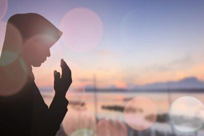 Bild Muslim Woman beten und schönen Hintergrund ..