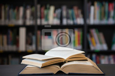 Bild Nahaufnahme von offenen Bücher auf dem Tisch