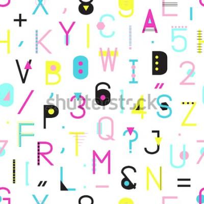 Bild Nahtloses Muster des bunten Alphabetes mit Zahlen und Interpunktion von den geometrischen Formen lokalisiert auf weißem Hintergrund. Kreative Typografie, die Beschaffenheit in Memphis-Art einwickelt.