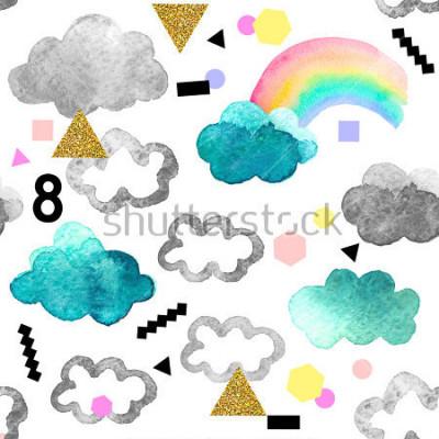 Bild Nettes Aquarell bewölkt sich mit Regenbogen- und Goldfunkelnelementen. Nahtloses Muster mit den Aquarellgegenständen lokalisiert auf weißem Hintergrund für Ihr Design: Gewebe, Gewebe, Postkarte.