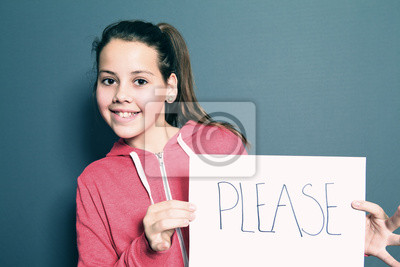 Nettes kleines Mädchen sagen Bitte