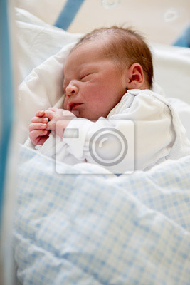 Bild Neugeborenes Baby Mit Krippe Im Pränatalen Krankenhaus