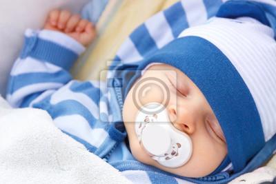 Bild Neugeborenes Baby Mit Schnuller Schlafend Im Kinderwagen